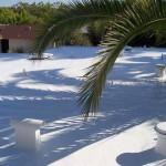 Flat roof with spray foam