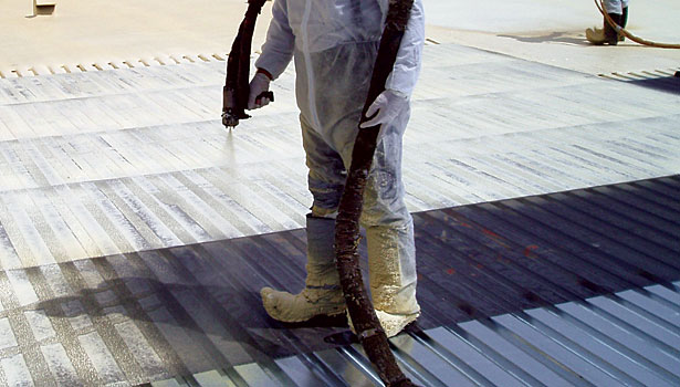 Spray foam application on metal surface